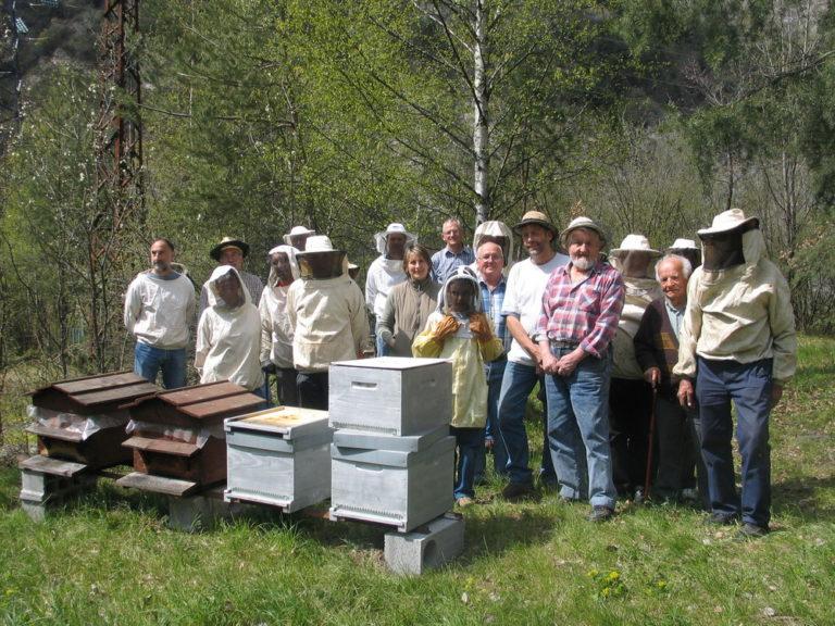 Travaux au rucher école de St Jean de Maurienne